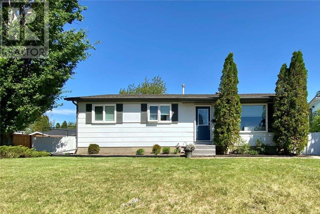 House for sale at 61 Hesford Pl Swift Current Saskatchewan - MLS: SK810449