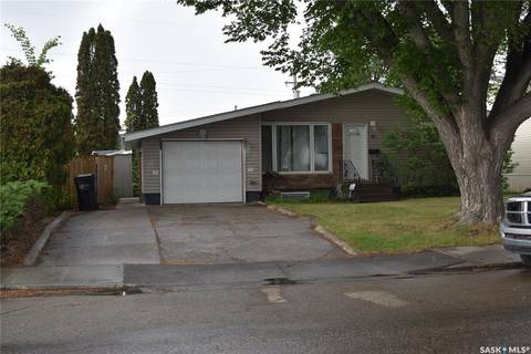House for sale at 61 Howell Ave Saskatoon Saskatchewan - MLS: SK776504