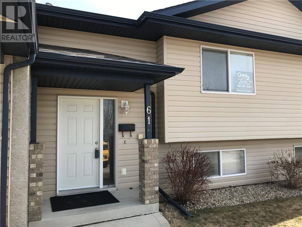 Townhouse for sale at 61 Leung Pl Blackfalds Alberta - MLS: ca0185364