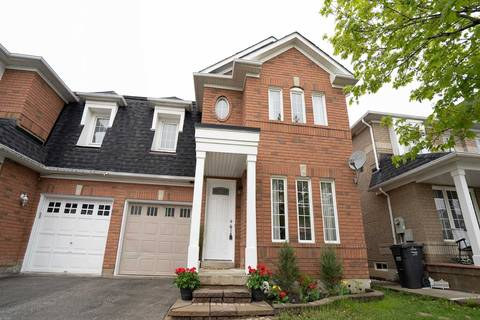 Townhouse for sale at 61 Saintsbury Cres Brampton Ontario - MLS: W4461295