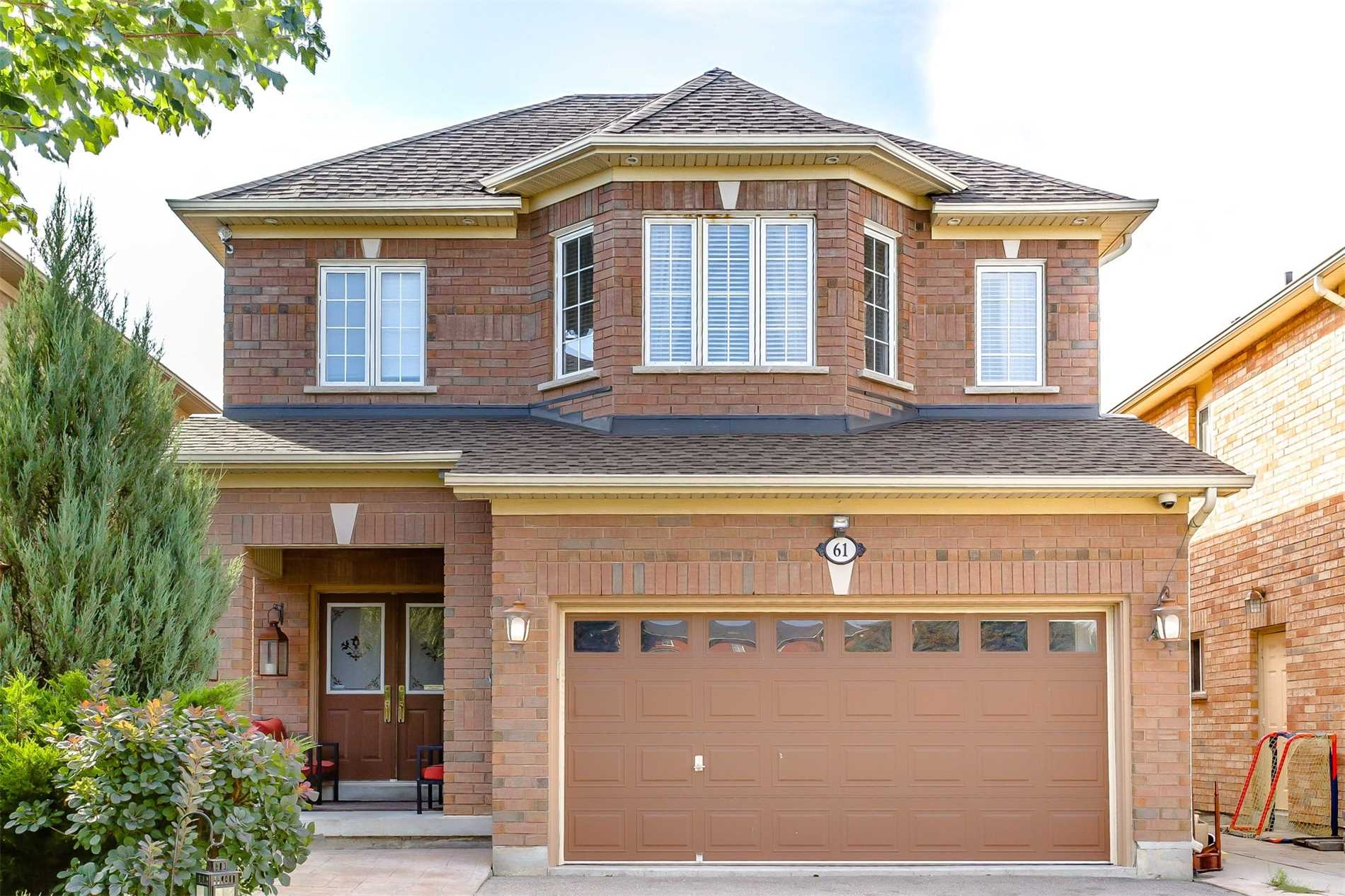House for sale at 61 Sheshi Drive Vaughan Ontario - MLS: N4318750