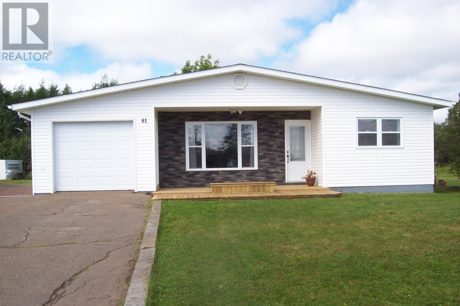 House for sale at 61 Water St Botwood Newfoundland - MLS: 1223471