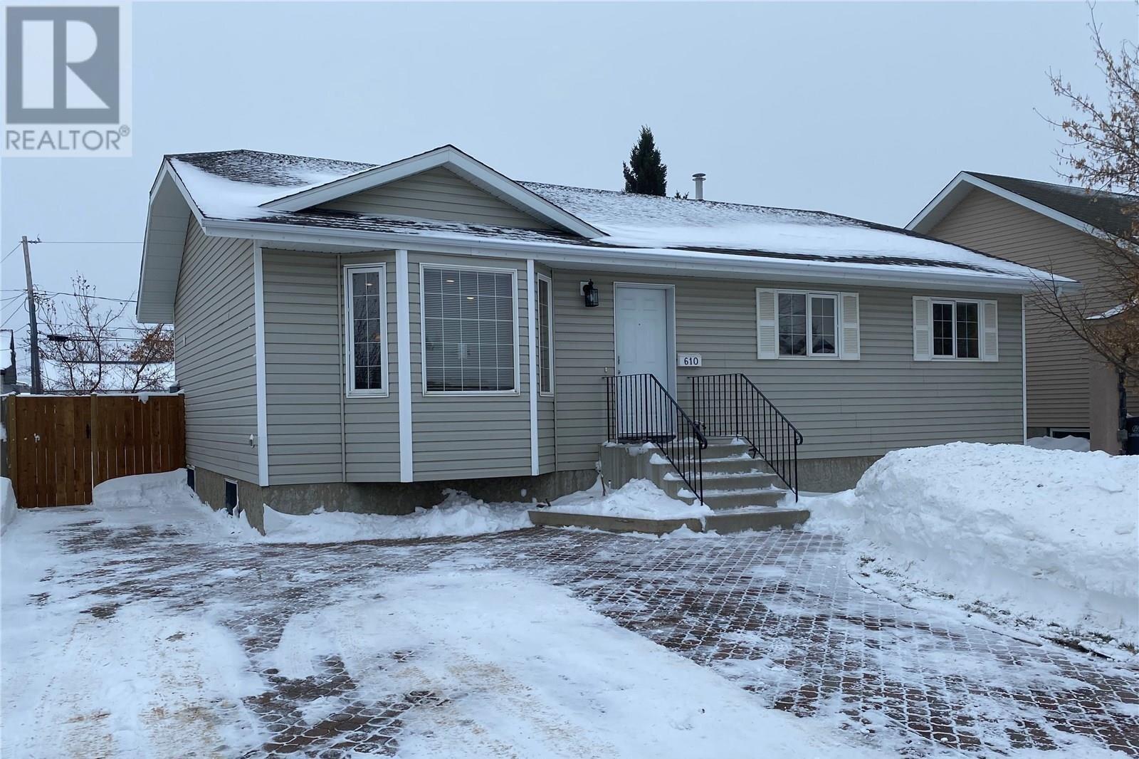 House for sale at 610 3rd St N Martensville Saskatchewan - MLS: SK833763