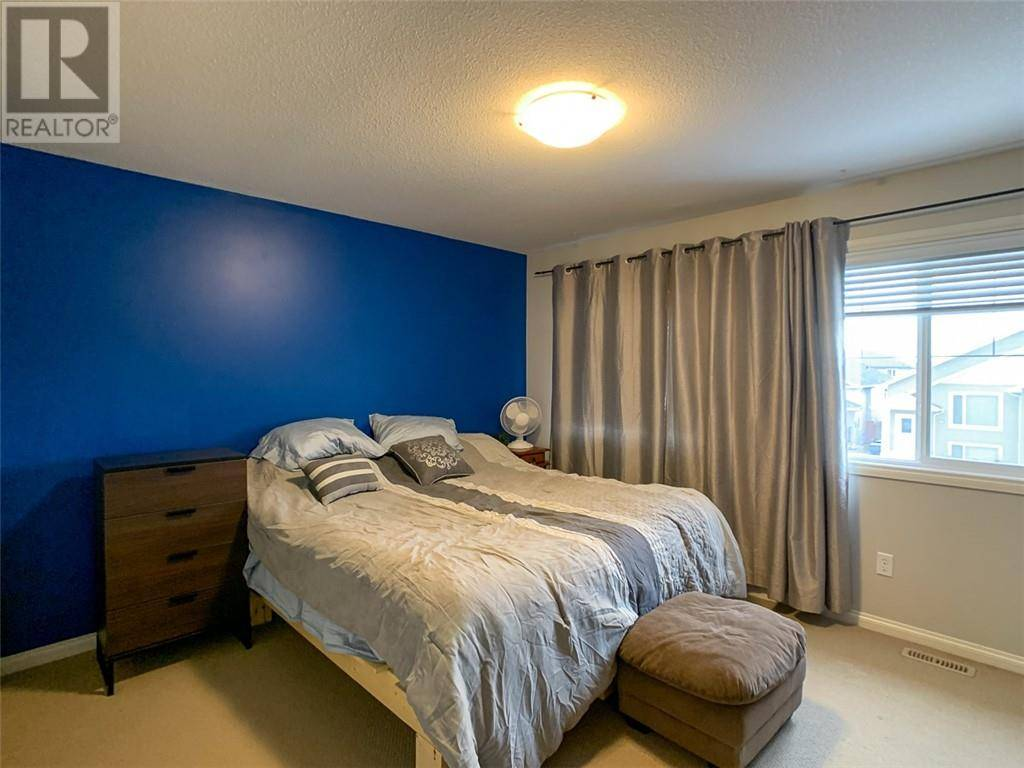 610 Silkstone Point W, Lethbridge | Image 2