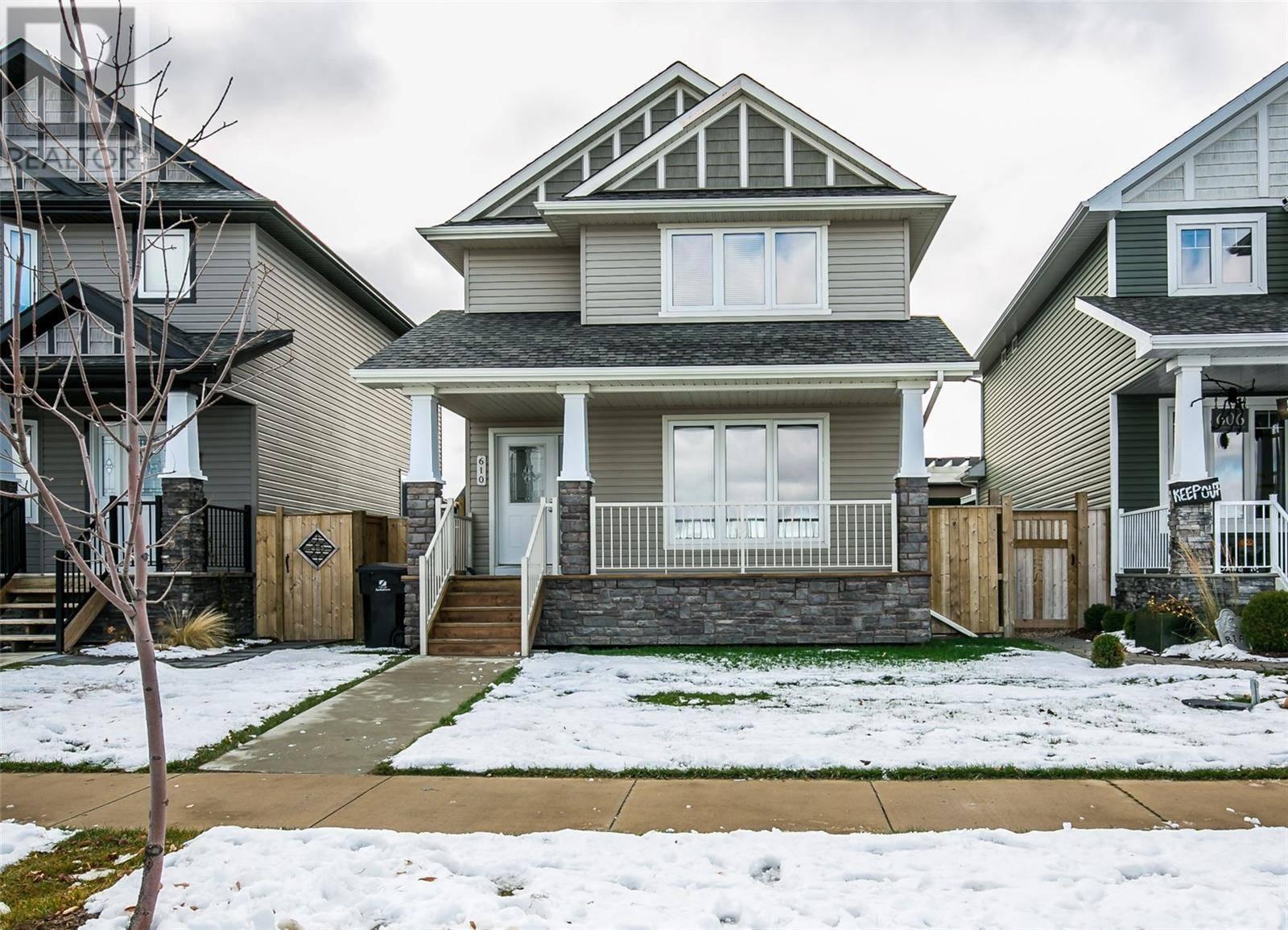 House for sale at 610 Stonebridge Cmn  Saskatoon Saskatchewan - MLS: SK790581