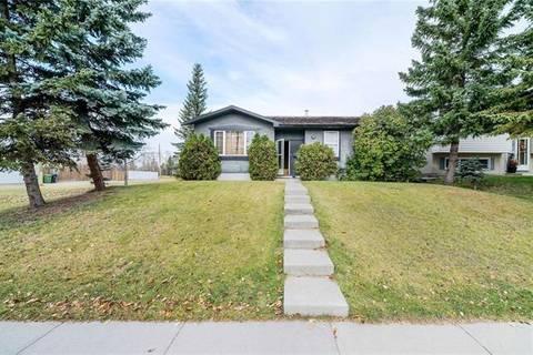 House for sale at 6104 Penworth Rd Southeast Calgary Alberta - MLS: C4273754