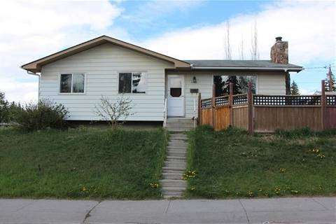 House for sale at 6104 Tweed St Northeast Calgary Alberta - MLS: C4245066