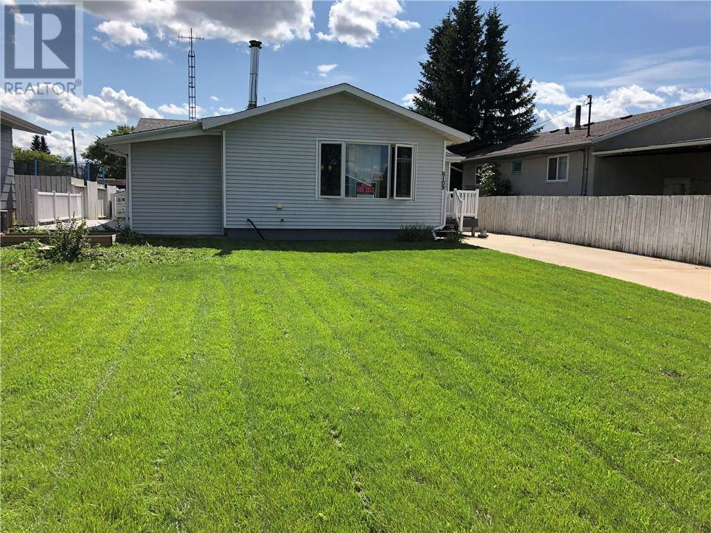 House for sale at 6109 51 Ave Stettler Alberta - MLS: ca0188618