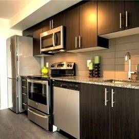 Apartment for rent at 11 Superior Ave Unit 611 Toronto Ontario - MLS: W4485314