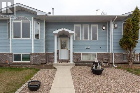 Townhouse for sale at 611 2 St Se Redcliff Alberta - MLS: mh0164616