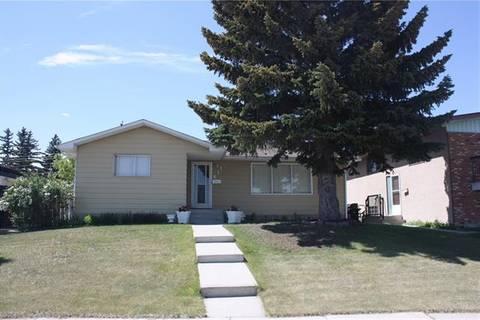 House for sale at 611 Blackthorn Rd Northeast Calgary Alberta - MLS: C4225581