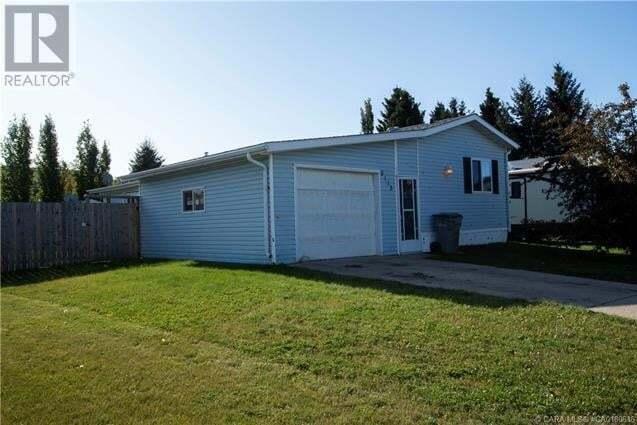 Home for sale at 6113 Spruce Cs Stettler Alberta - MLS: CA0180616