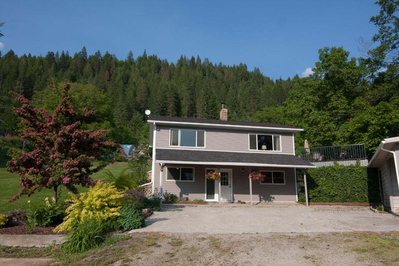 House for sale at 6114 Highway 3a  Wynndel British Columbia - MLS: 2452137