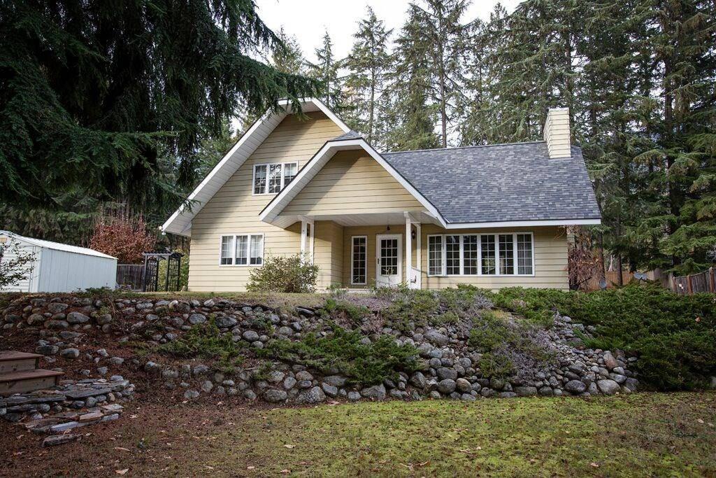 House for sale at 6119 Pippers Lane  Kokanee Creek To Balfour British Columbia - MLS: 2441989