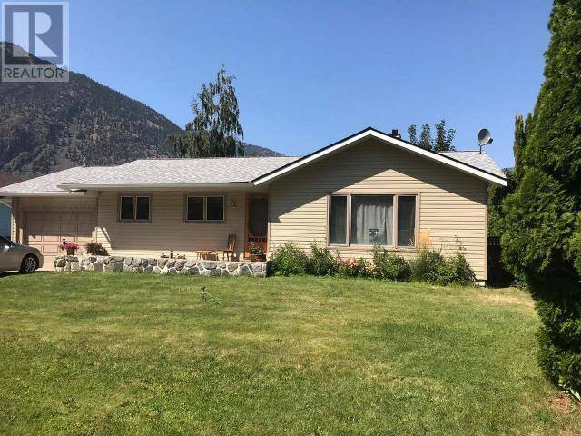 House for sale at 612 12th Ave Keremeos British Columbia - MLS: 179989