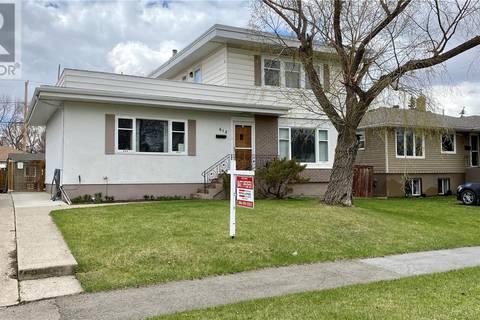 House for sale at 612 18th Ave E Regina Saskatchewan - MLS: SK795322