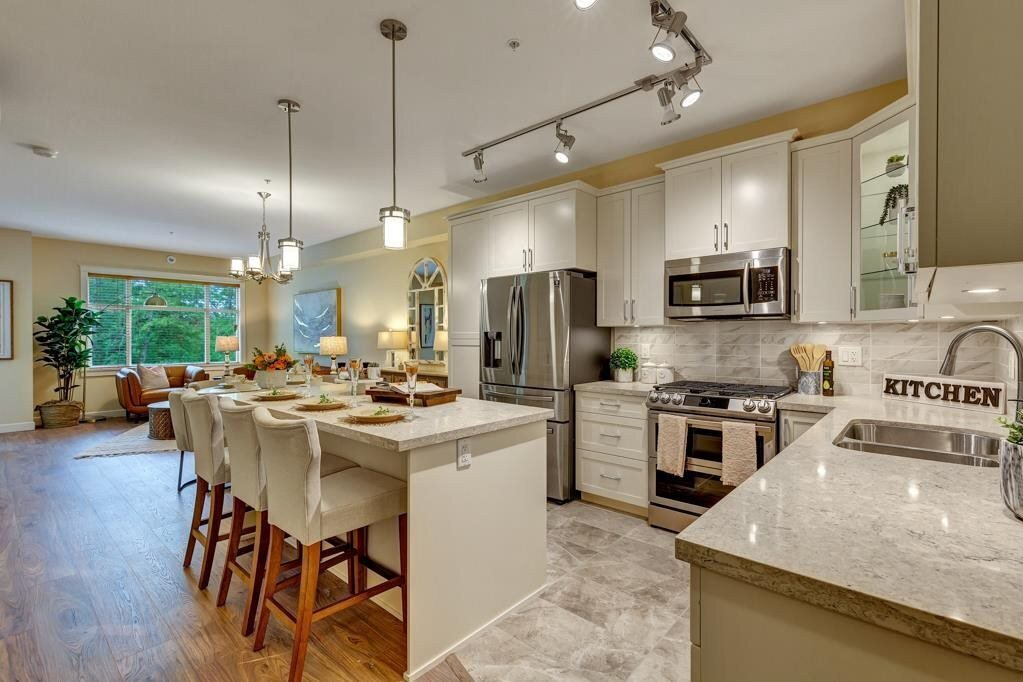 Buliding: 20325 85 Avenue, Langley, BC