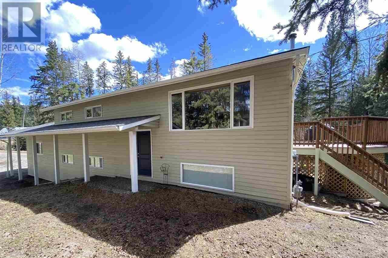 House for sale at 6124 N Horse Lake Rd Horse Lake British Columbia - MLS: R2448404