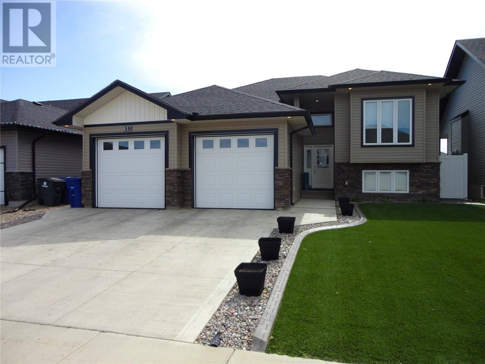House for sale at 613 Maple Cres Warman Saskatchewan - MLS: SK783583