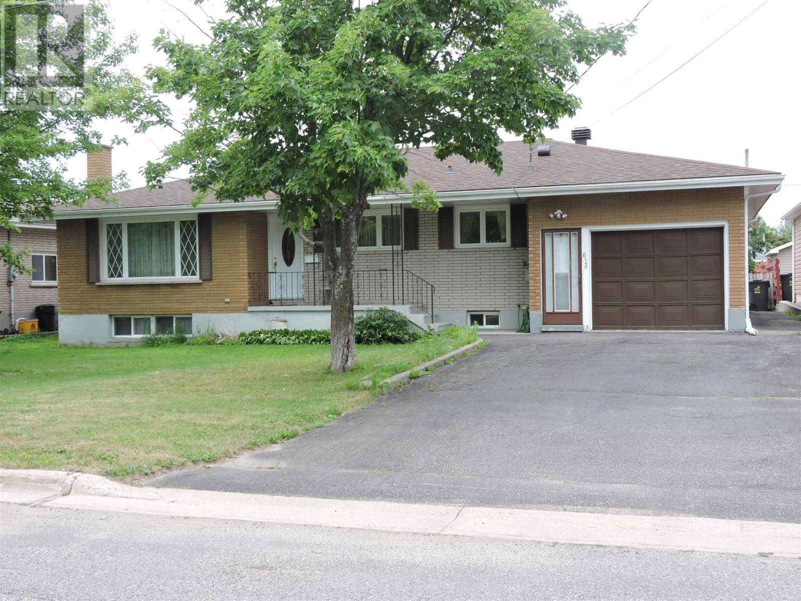 House for sale at 613 Wilson St Sault Ste. Marie Ontario - MLS: SM127535