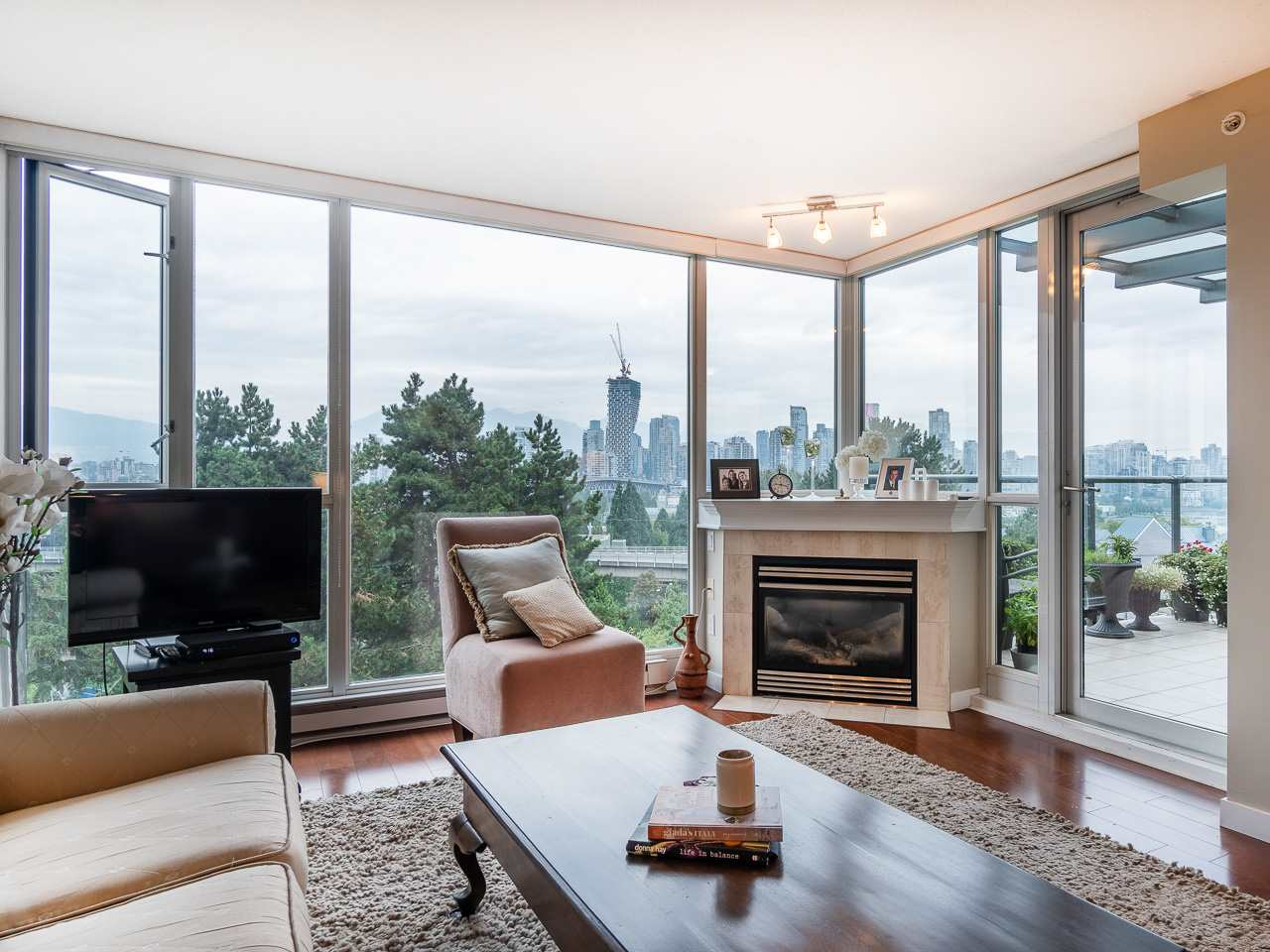 Buliding: 1425 West 6th Avenue, Vancouver, BC