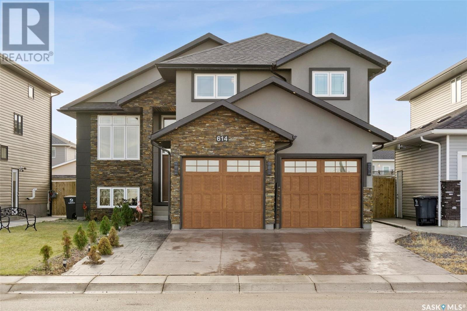 House for sale at 614 Boykowich Cres Saskatoon Saskatchewan - MLS: SK833387