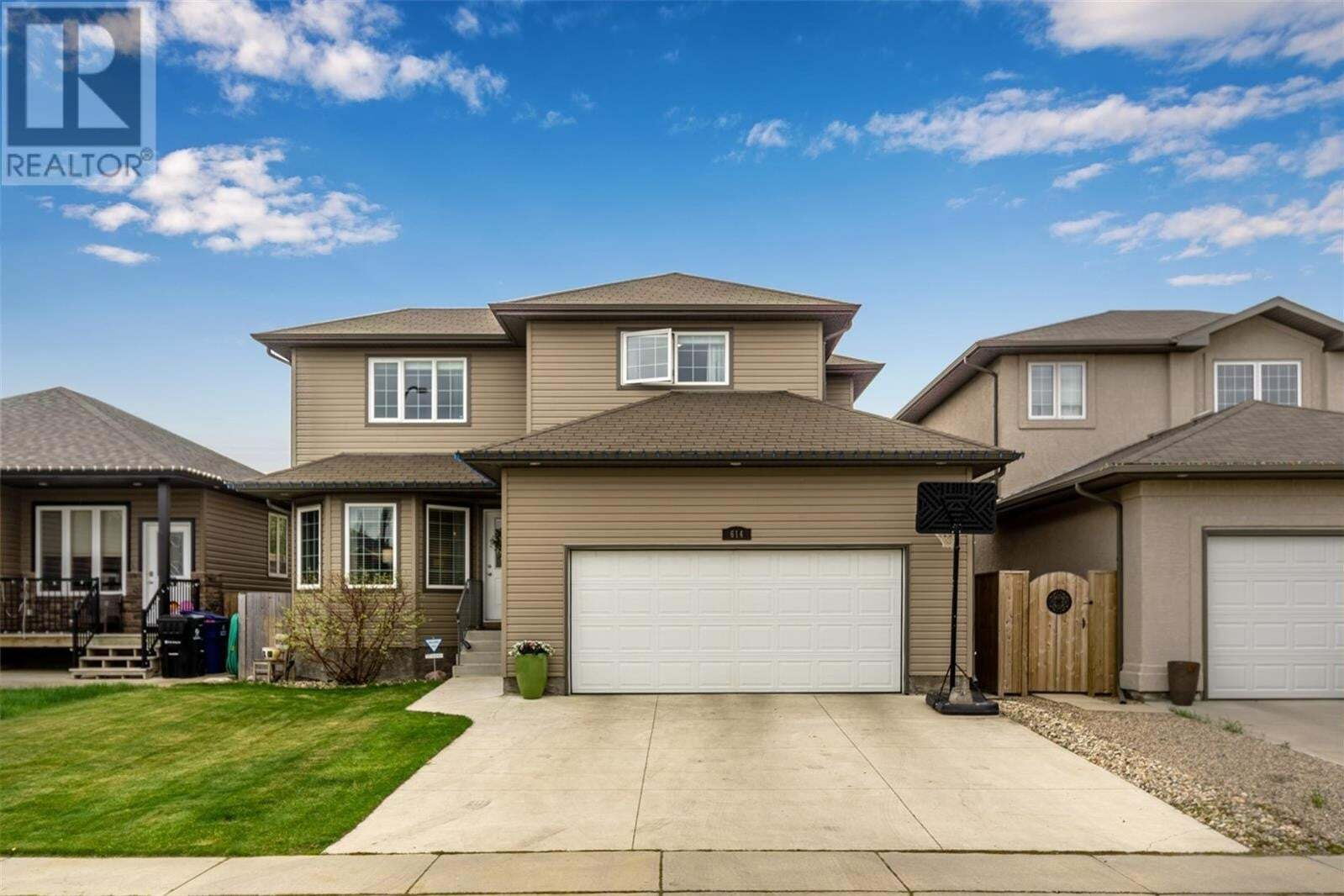 House for sale at 614 Mckague Cres Saskatoon Saskatchewan - MLS: SK810068