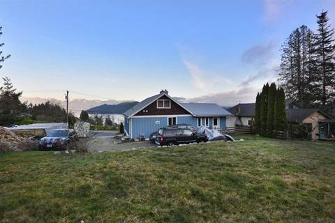 House for sale at 615 Gibsons Wy Gibsons British Columbia - MLS: R2336193