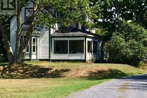 House for sale at 615 Kennebecasis River Rd Hampton New Brunswick - MLS: NB022127