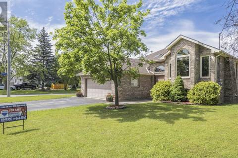 House for sale at 615 Reaume Rd Lasalle Ontario - MLS: 19019982