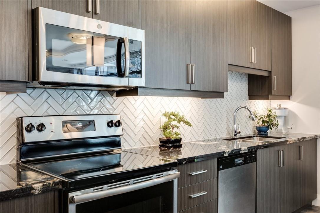 Condo for sale at 118 King St E Unit 616 Hamilton Ontario - MLS: H4082377