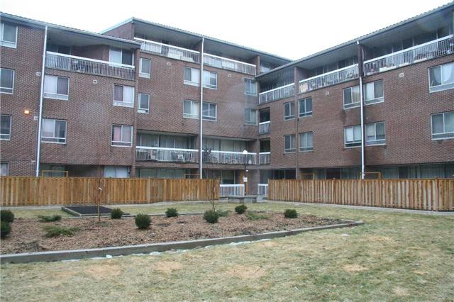 For Sale: 617 - 4064 Lawrence Avenue, Toronto, ON | 2 Bed, 1 Bath Townhouse for $179,888. See 7 photos!