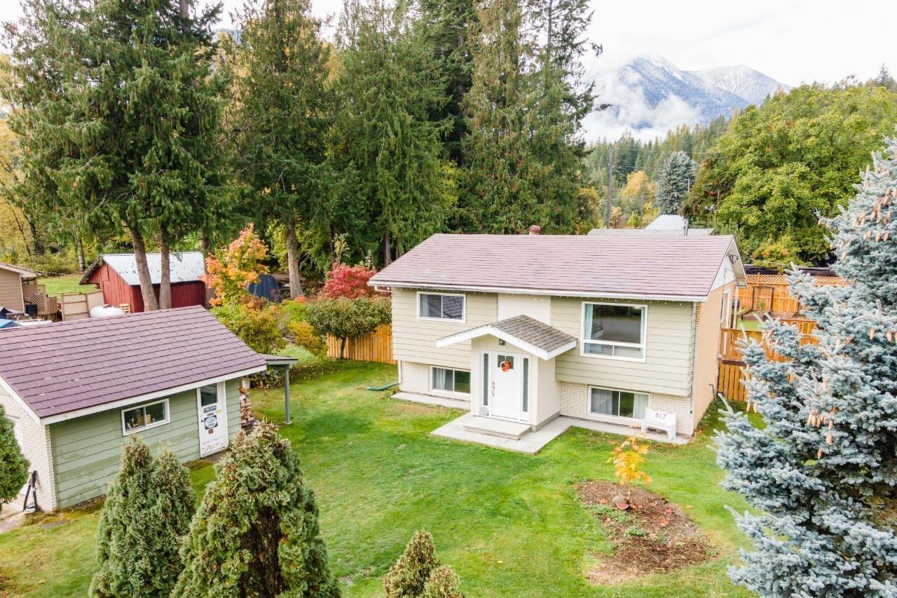 House for sale at 617 Jackson St Kaslo British Columbia - MLS: 2455151