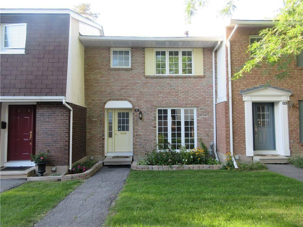 Townhouse for rent at 617 Trelawny Pt Ottawa Ontario - MLS: 1169155