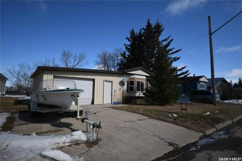 Residential property for sale at 618 Little Quill Ave E Wynyard Saskatchewan - MLS: SK804649