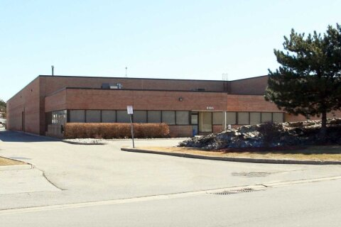 Commercial property for lease at 6185 Kestrel Rd Mississauga Ontario - MLS: W4991088
