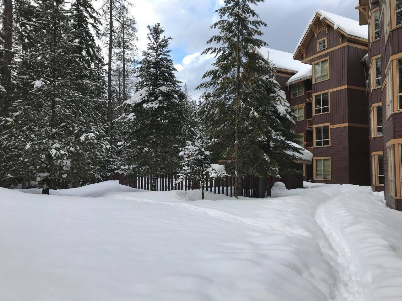 618c - 4559 Timberline Cres. Crescent , Ski Hill Area | Image 2