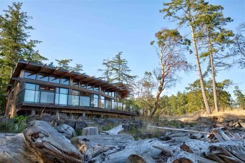 House for sale at 619 Gossip Rd Galiano Island British Columbia - MLS: R2406269