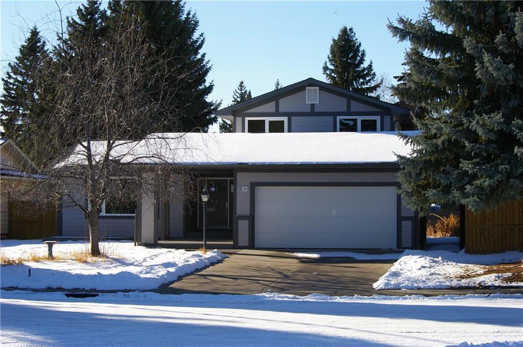 Sold: 619 Lake Moraine Way Southeast, Calgary, AB