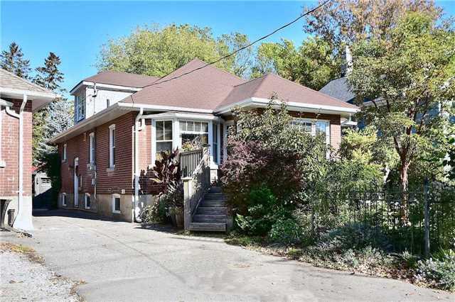 Sold: 62 Centre Street, Aurora, ON