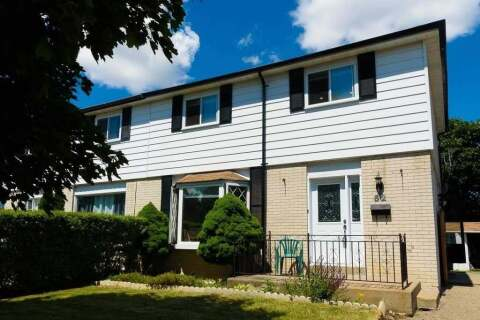 Townhouse for sale at 62 Forsythia Rd Brampton Ontario - MLS: W4806580