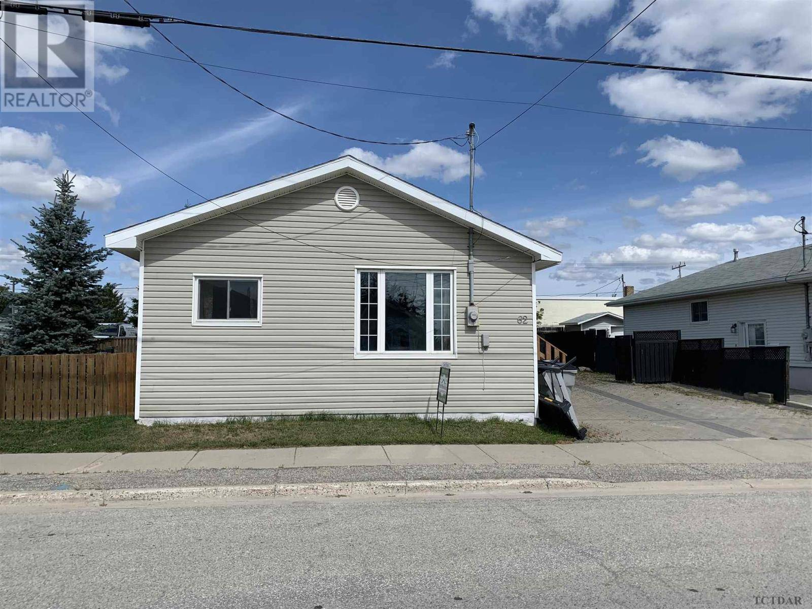 House for sale at 62 Golden Ave Timmins Ontario - MLS: TM200150