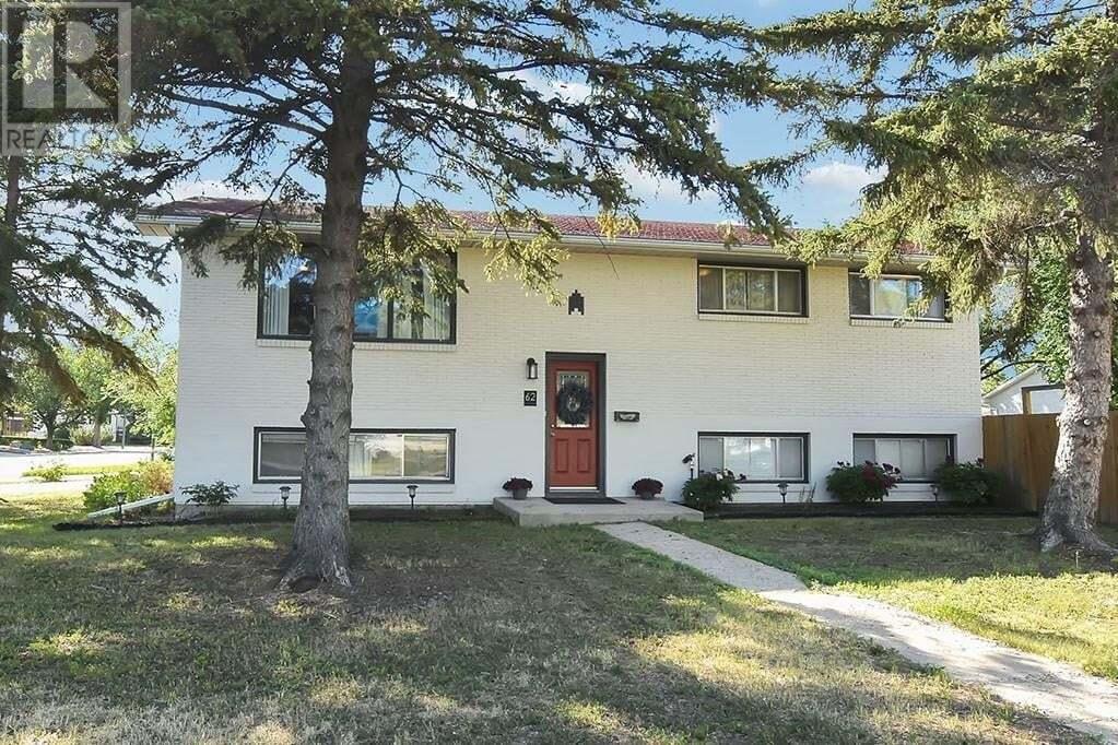 House for sale at 62 Mccormick Cres Regina Saskatchewan - MLS: SK814529