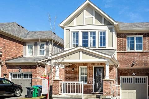 Townhouse for sale at 62 Quillberry Clse Brampton Ontario - MLS: W4728899