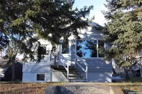 House for sale at 620 2nd Ave NE Swift Current Saskatchewan - MLS: SK797317