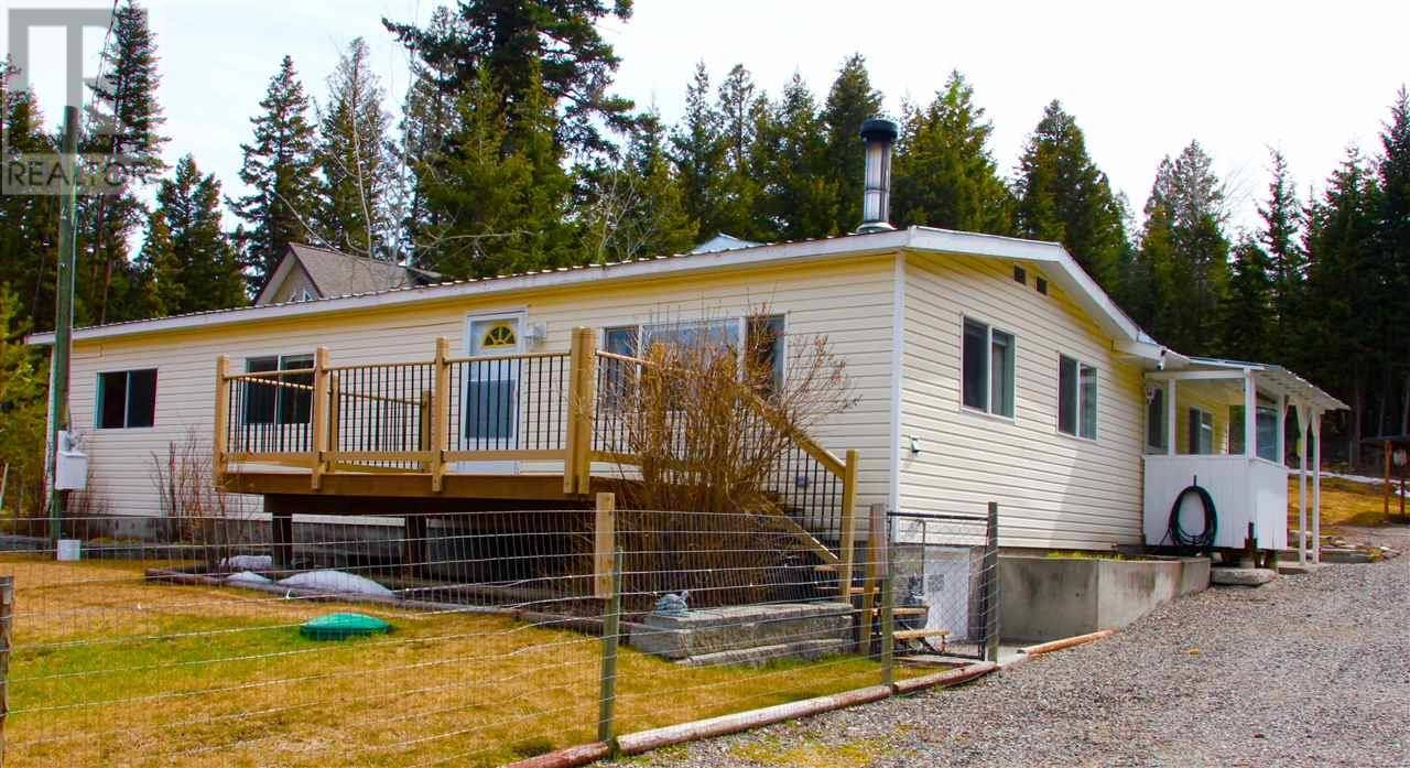 Residential property for sale at 620 Lake Rd S 70 Mile House British Columbia - MLS: R2369883