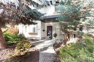 Townhouse for sale at 620 Wardlaw Ave Kelowna British Columbia - MLS: 10186741