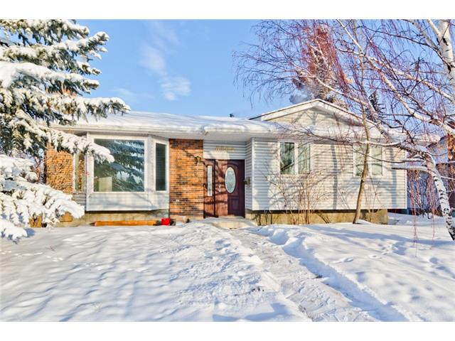 Sold: 6204 Pineridge Road Northeast, Calgary, AB