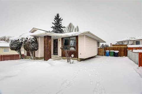 House for sale at 6208 26 Ave Northeast Calgary Alberta - MLS: C4291692