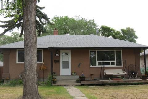 House for sale at 621 Grey St Regina Saskatchewan - MLS: SK776297